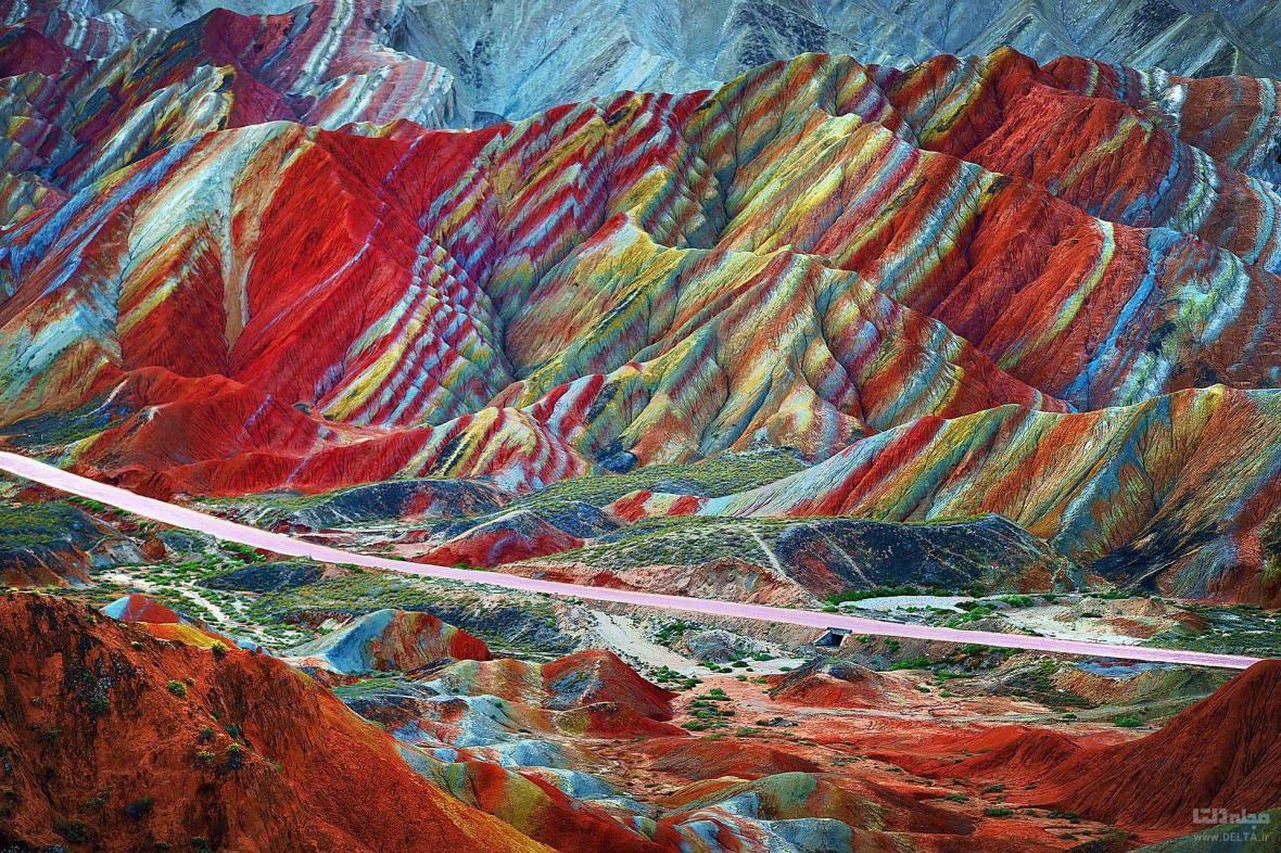زیباترین جای جهان، کوه های رنگین کمانی