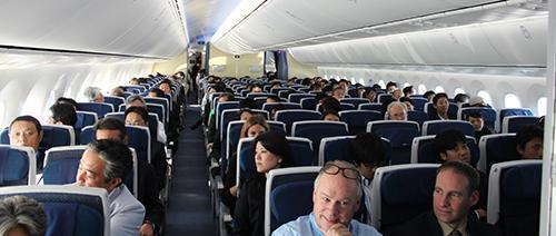 غذاهایی که خوردن آنها در هواپیما توصیه نمی گردد!