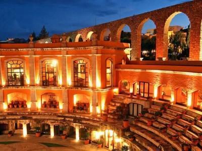 متفاوت ترین هتل های جهان