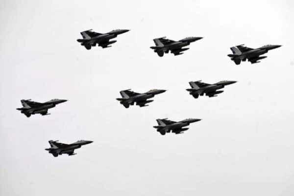 ادامه حملات نیروهای وابسته به حفتر به شهرهای لیبی