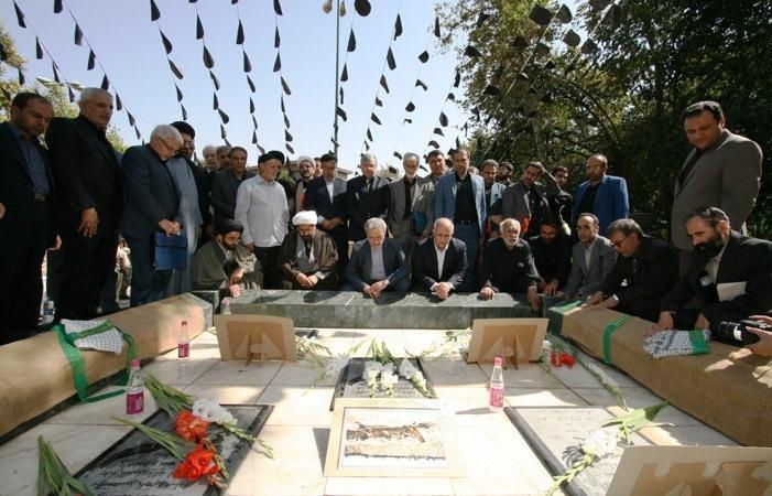 مزار شهدای گمنام دانشگاه تهران فردا غبارروبی می گردد
