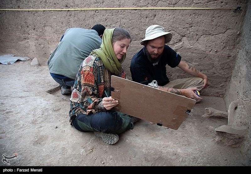 آنالیز باستان شناختی شهرستان قلعه گنج شروع شد