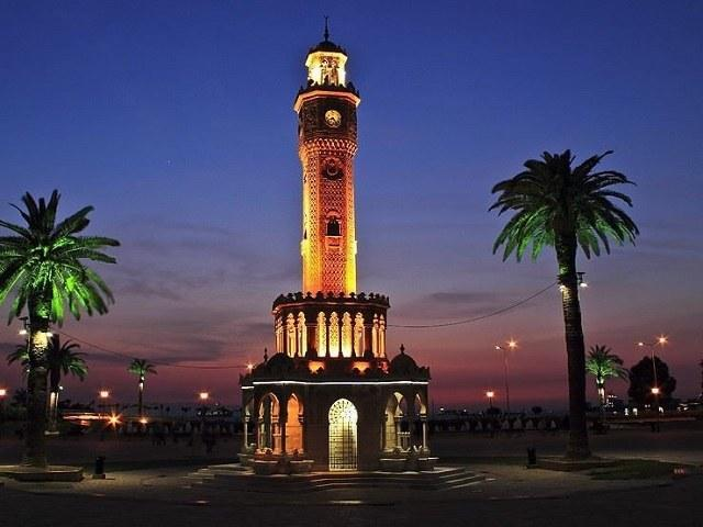 برج چاچا باتومی ، سازه ای تزئین شده با سبک معماری عثمانی