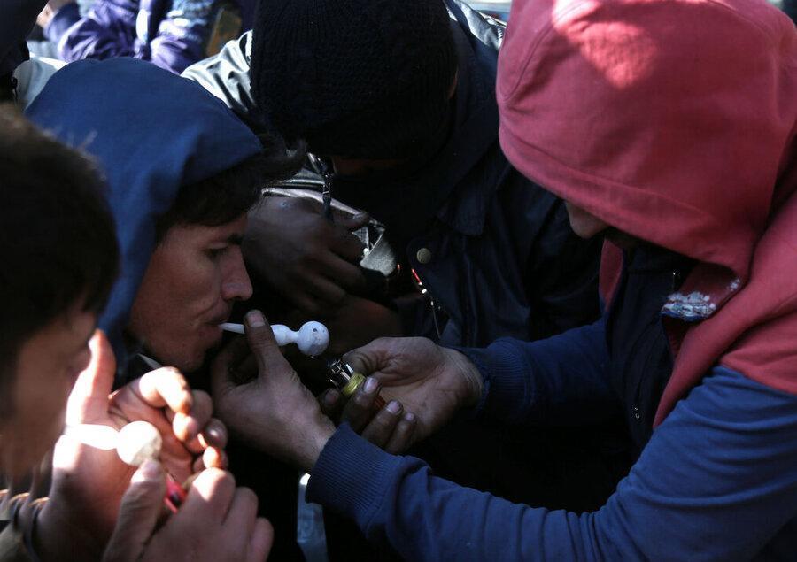 گمنامانی که برای نبرد با کرونا به جمع فراموش شدگان می فرایند