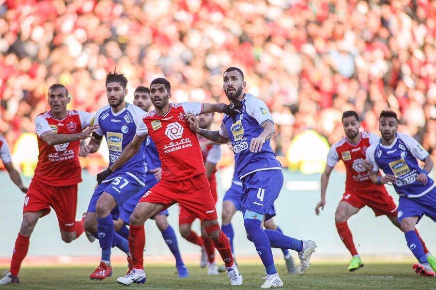 منزوی: پرسپولیسی ها به دریافت جام بدون مسابقه عادت کرده اند