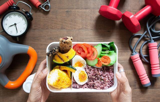 ورزشکاران در ماه رمضان چه برنامه تغذیه ای در پیش بگیرند؟