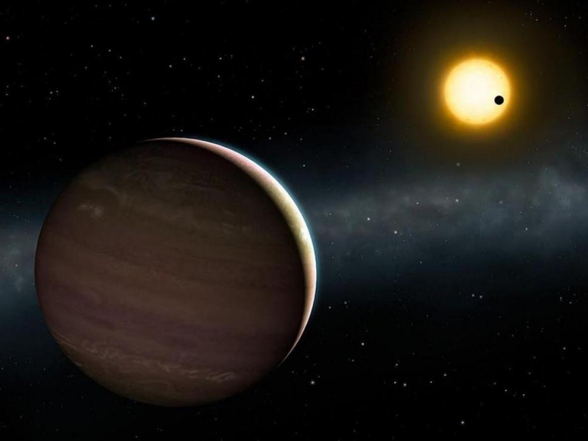 پایکوبی گرانشی دو سیاره در فضا