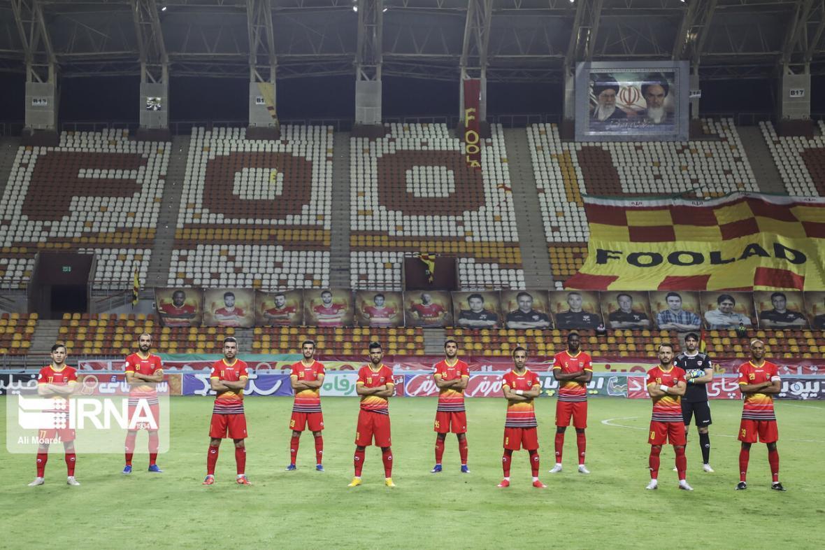 خبرنگاران باشگاه فولاد از داور مسابقه با نساجی شکایت کرد