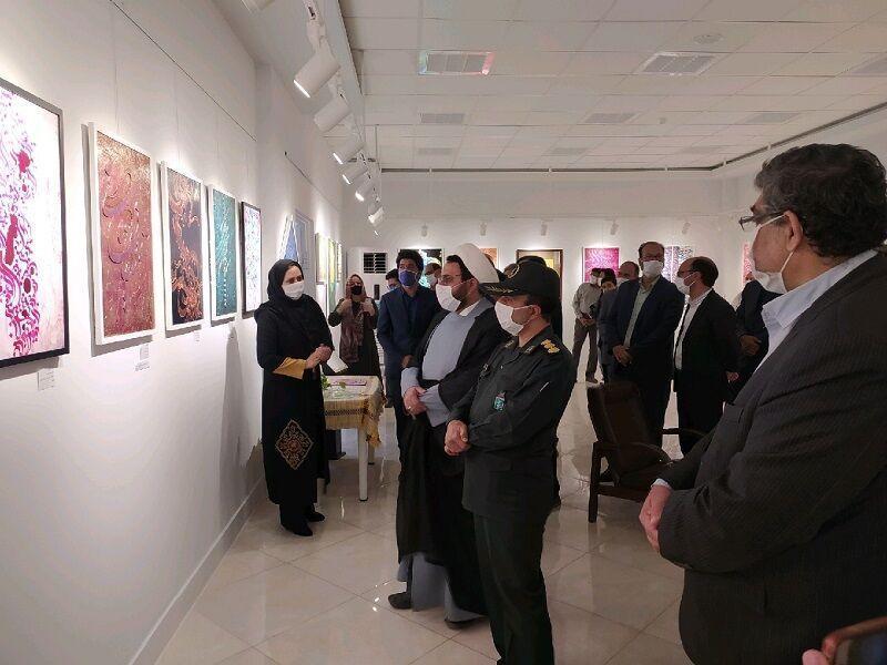 خبرنگاران نمایشگاه نقاشیخط لبخند رنگ ها در بیرجند گشایش یافت