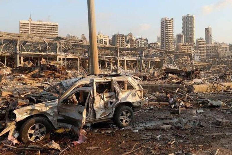 سرخط خبرها درباره انفجار مهیب لبنان، شاهرگ مالی لبنان نابود شد، داروی بیماران صعب العلاج از بین رفت، نیترات باعث انفجار بود