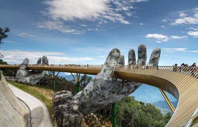 10 مجسمه بزرگی که جهانگرد ها را مجذوب خود می نمایند