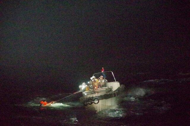 عملیات نجات گسترده پس از واژگونی کشتی باری در آب های ژاپن