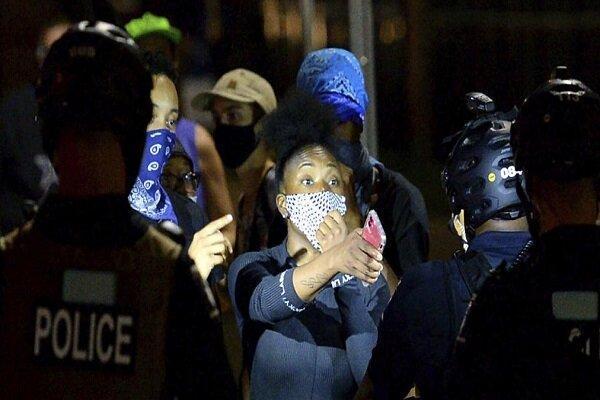 ادامه اعتراضات مردم آمریکا در محل برگزاری کنوانسیون جمهوریخواهان