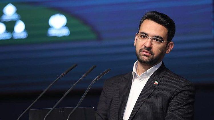 (عکس) آذری جهرمی: مقام بالاتر از وزیر استقلالی در کابینه دولت داریم