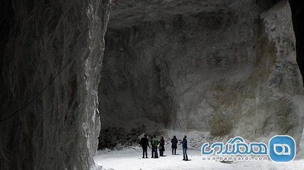 سرمایه گذاری کانون اتومبیلرانی و جهانگردی در غار نمکی گرمسار