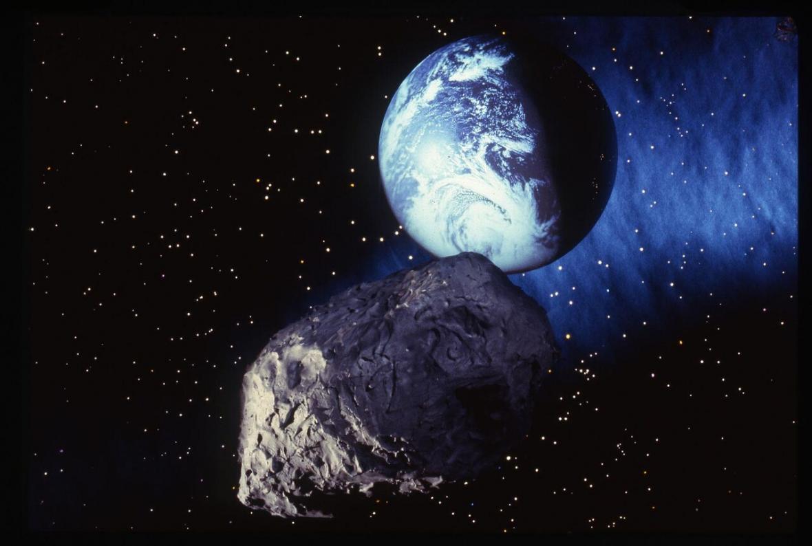 آیا سیارک ماسک دار امشب زمین را نابود خواهد نمود؟