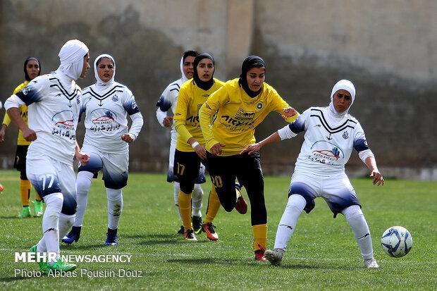 نماینده کردستان با 5 گل تیم بوشهر را بدرقه کرد