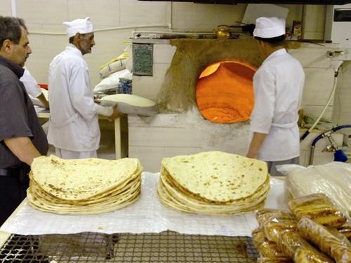 پیگیری درخواست گران کردن نان ، جمع آوری ماسک های غیر استاندارد موجود در بازار