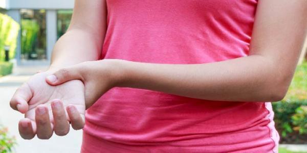 کورتیزون چیست و مصرف آن چه عوارضی دارد؟