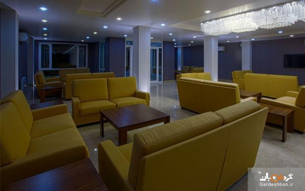 هتل هزار کرمان از هتل های 3 ستاره و باکیفیت شهر، عکس