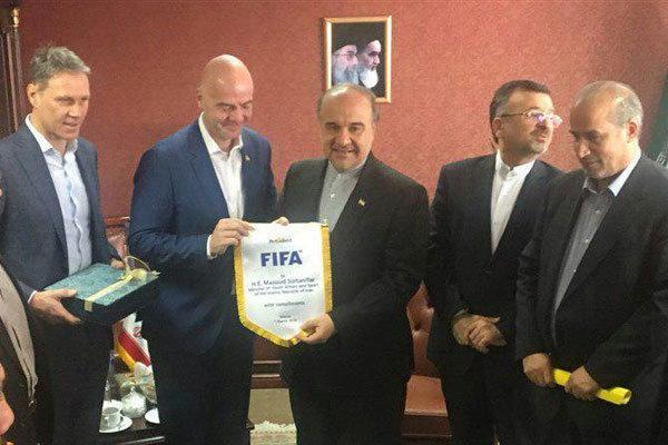 وزارت ورزش: از فیفا و AFC انتقاد کنید نه از داخلی ها!