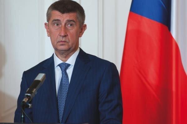 هر کشور عضو اتحادیه اروپا دست کم یک دیپلمات روسیه را اخراج کند