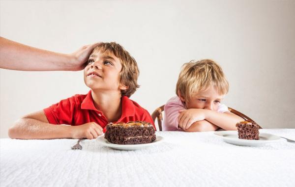 چرا والدین بین فرزندان خود فرق می گذارند؟